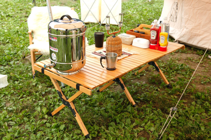 Cracking the secret of fashionable campsites! Why are Highlander wood tables so popular?