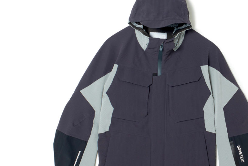 High specifications in the city. White Mountaineering's high tech and innovative mountain parker.