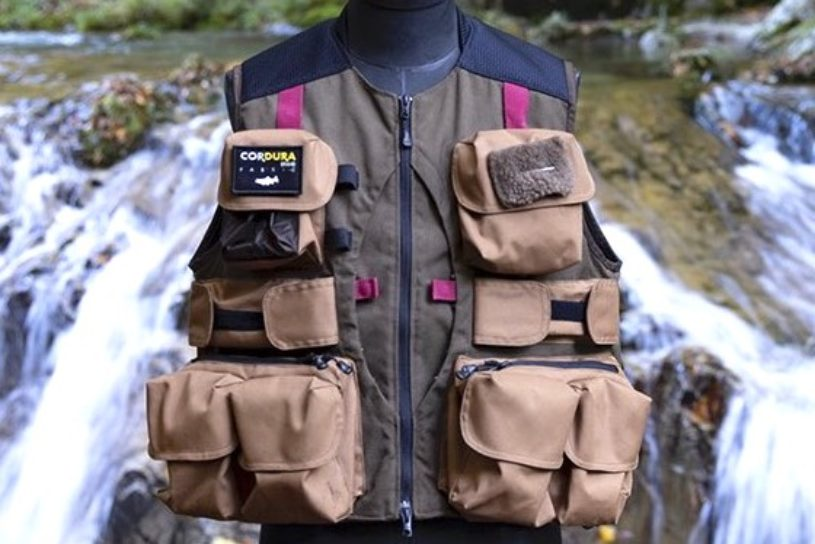 The second popular collaboration from Snow Peak urban fishing, a vest for professionals!