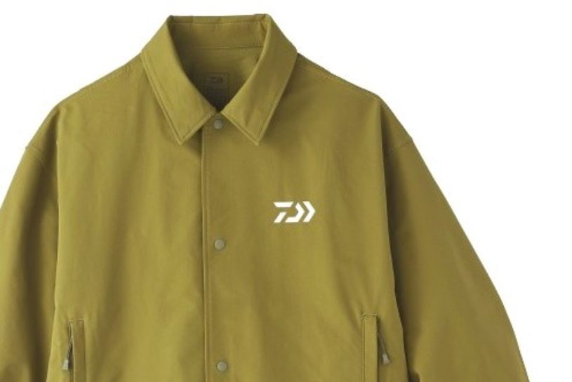 It is water repellent and has excellent mobility! Daiwa's water-repellent coach jacket can be counted on during rainy season!