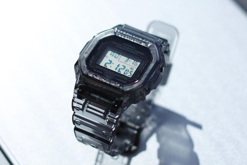 Beams bespoke skeleton G-SHOCK which sold out immediately last time is back! A chic black color for this season.