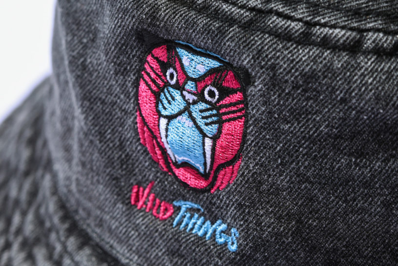 Wild Things collaborate with the popular illustrator NIGAMUSHI. There are a lot of unique items featuring excellent embroidery.