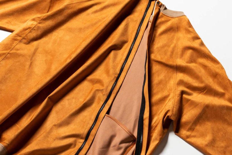Flexibility meets water repellency ……. Innovative Meanswhile tops made with high-performance suede.