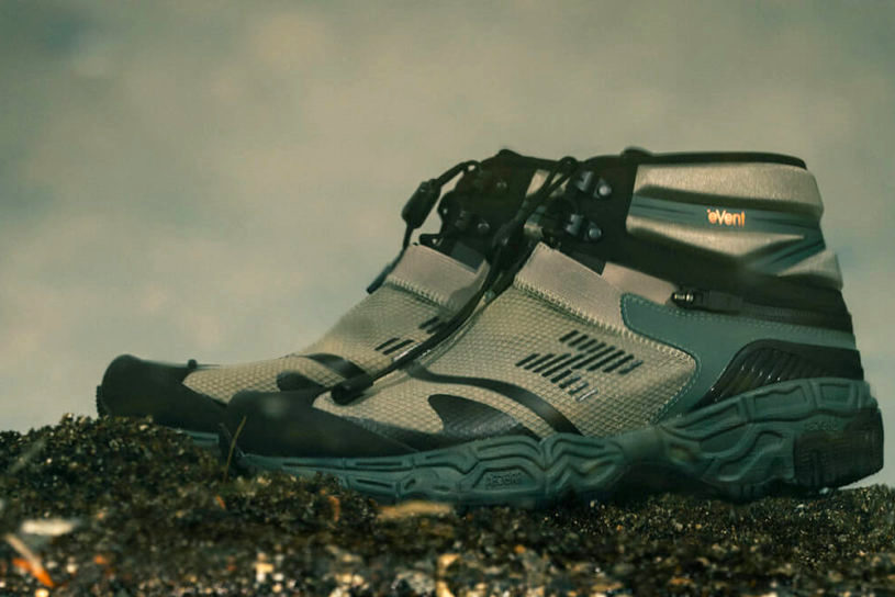 Boots that transform into sandals !? A collaboration work from Snow Peak, which is a new take on a New Balance masterpiece.