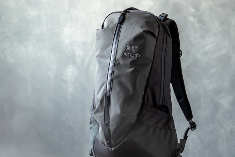 Arc'teryx classic is now all gray. Don't miss the BEAMS bespoke collection coming again this season!
