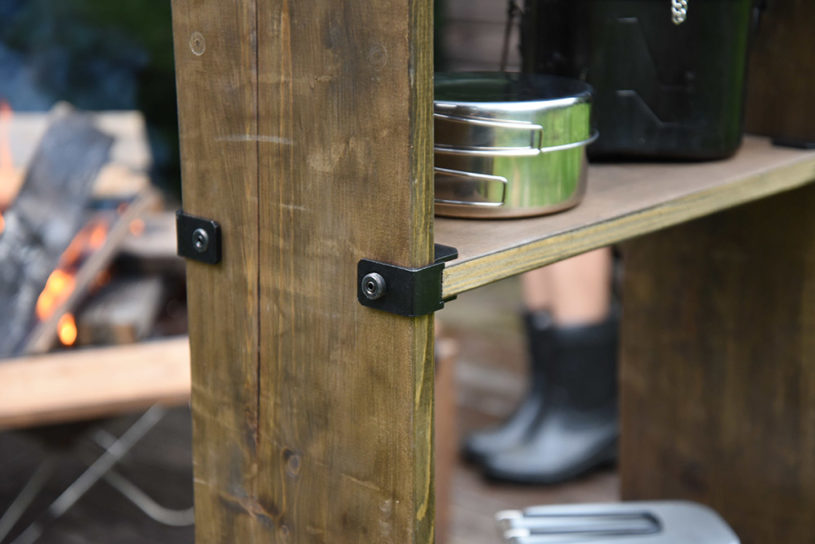 Discover a convenient new item that allows you to create DIY outdoor furniture by connecting wooden boards!