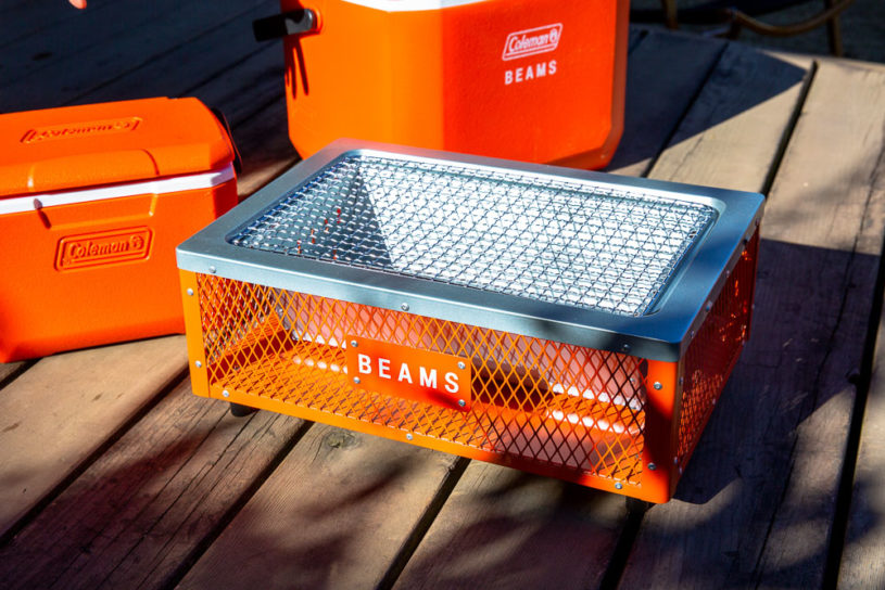 The latest collaboration collection from BEAMS x Coleman contains 5 items unified with an orange detail!