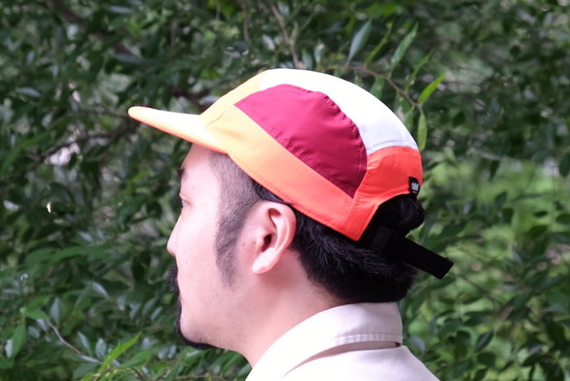 Wearing caps during summer time can be really stuffy! I asked an expert about the relationship between hats and thinning hair.